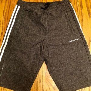 Boys Adidas shorts. Size XL